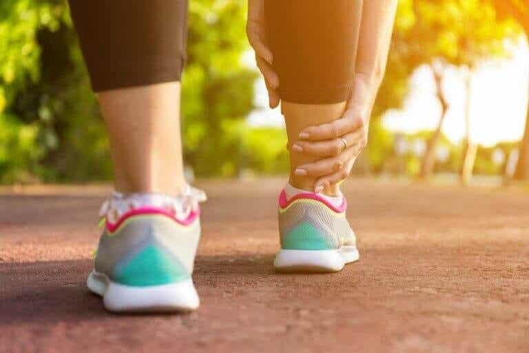 腿部腫脹:5種居家緩解療法