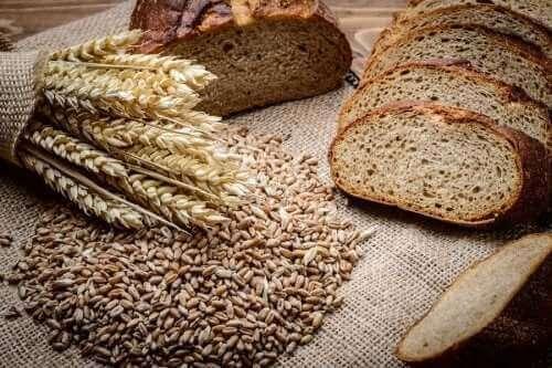黑麥和斯佩爾特全麥麵包