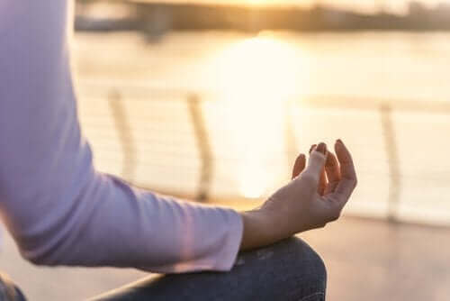 瑜伽姿勢離婚創傷