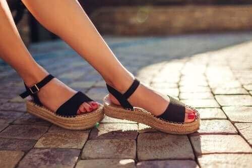 三種去除涼鞋異味的方法