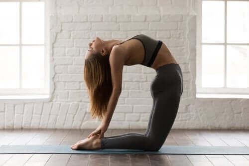 五種鍛煉腹肌的瑜伽姿勢