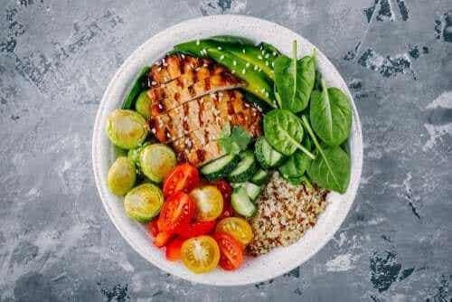 三種熱量低於300卡的健康晚餐食譜