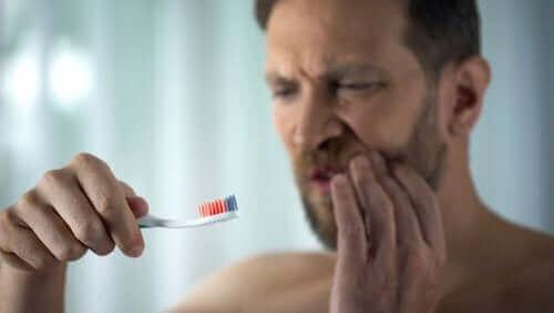 關於牙齦出血你需要知道的事