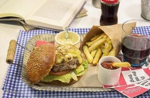 無糖汽水漢堡薯條