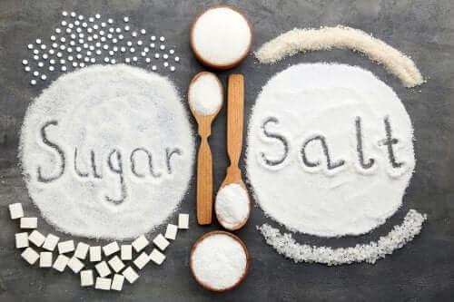 鹽或糖過量攝取:哪種對你的健康較不利?