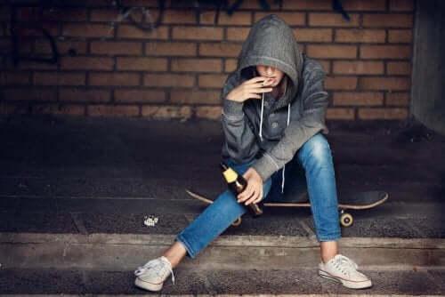 青少年抽菸喝酒