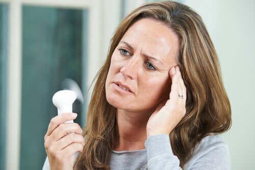 女性罹患熱潮紅