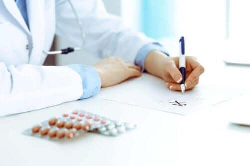 醫生寫醫囑