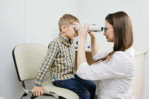 視網膜母細胞瘤:症狀、病因及治療