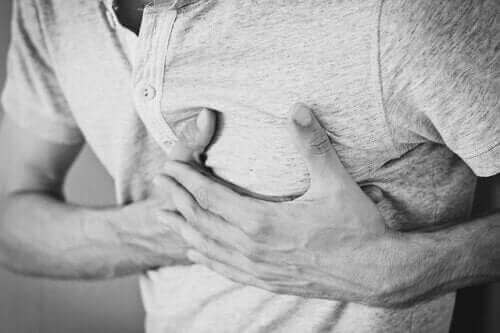 慢性打嗝:原因、治療和不良反應