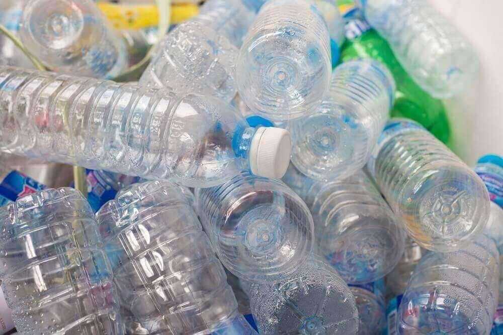 塑膠瓶裝水