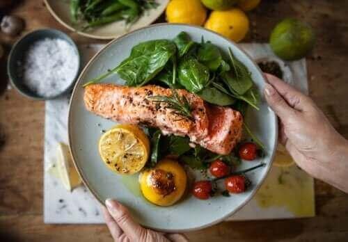提早吃晚餐可以幫助減重和預防糖尿病